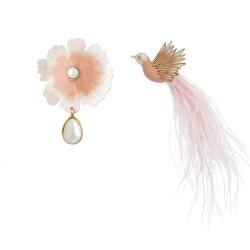 Brinco Nadia Gimenes (Re)Nascer Pressão Lado Flor de Cerejeira e Beija Flor Esmaltado Nude Dourado